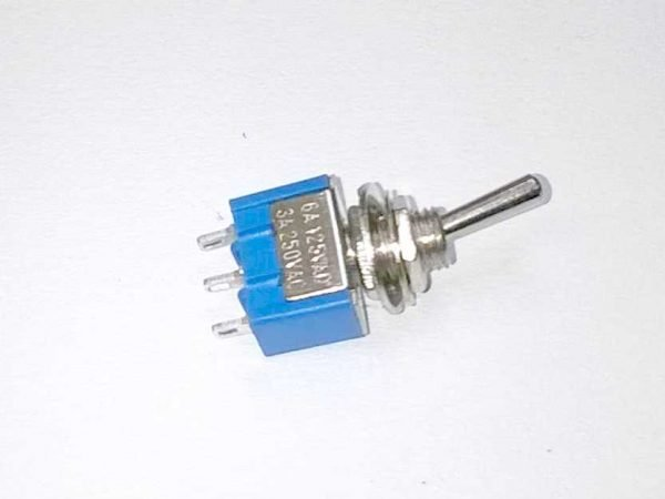 Miniature on-off toggle switch
