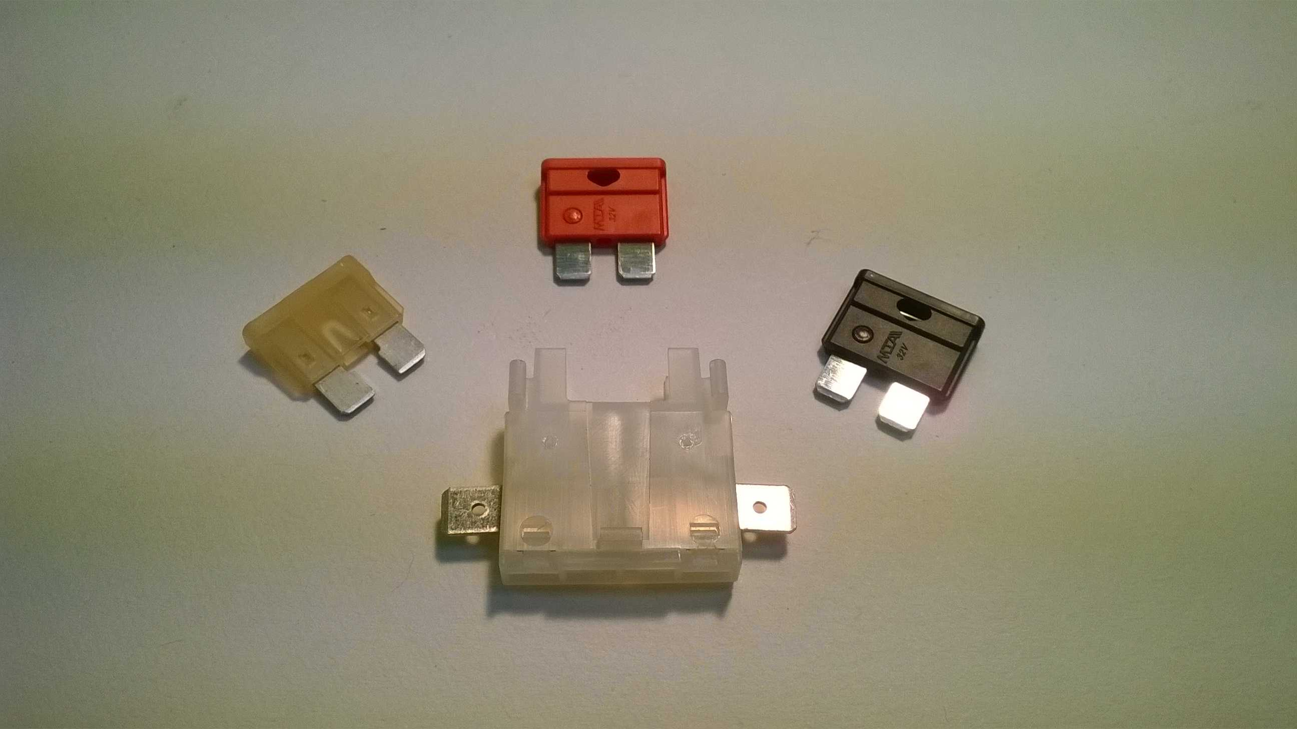 Blade fuses