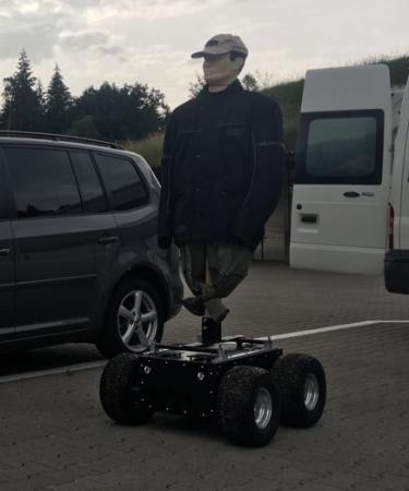 robot shooting target